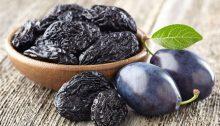 La dieta delle prugne secche, basta mangiarne 10 al giorno per dimagrire.